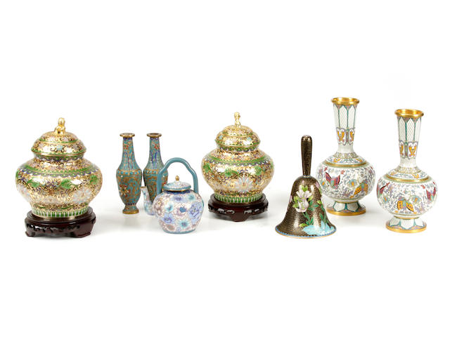 An assembled group of Chinese cloisonne articles