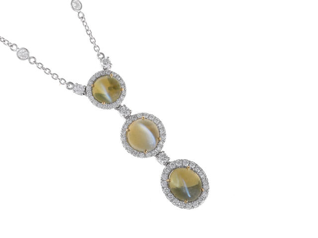 A cat's eye chrysoberyl and diamond necklace