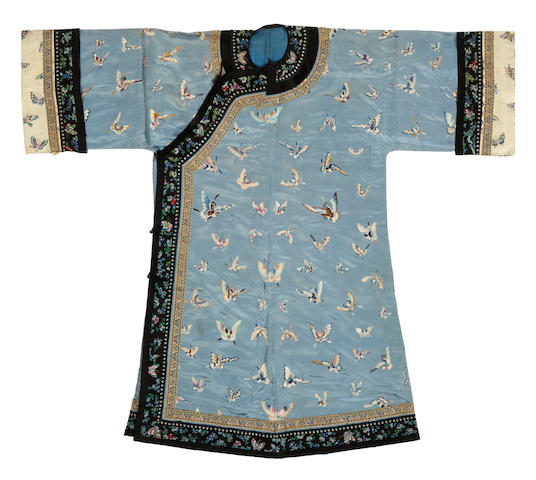 A blue silk ground embroidered lady's coat Late Qing/Repbulic period
