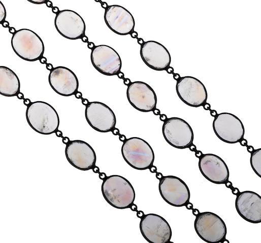A moonstone longchain