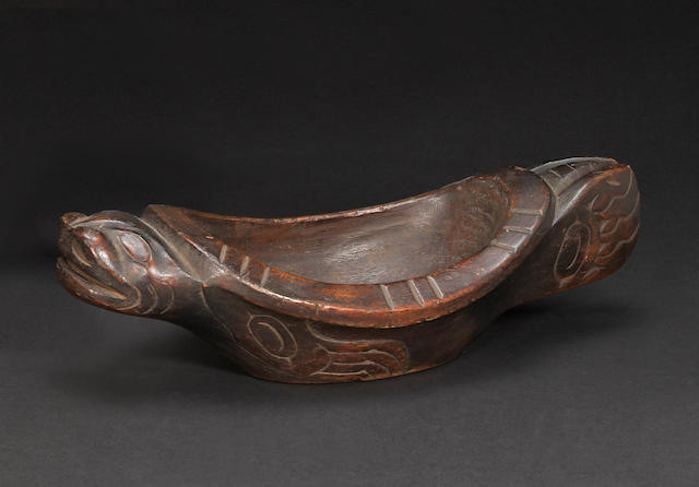 A Northwest Coast effigy bowl