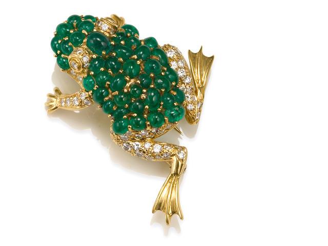 An emerald and diamond frog brooch