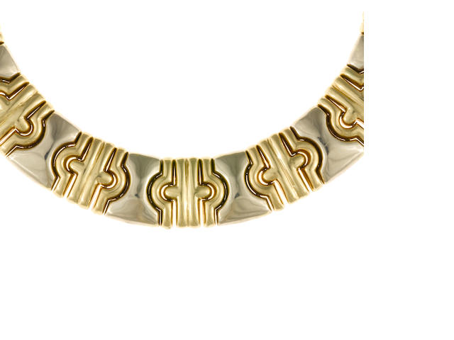 An eighteen karat bicolor gold collar necklace