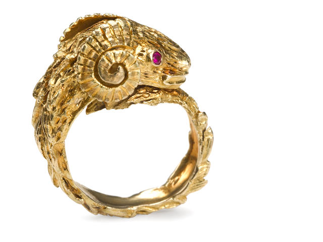 An eighteen karat gold ram's head ring, Lalaounis