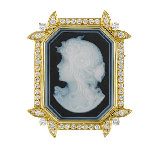 An agate cameo and diamond pendant/brooch