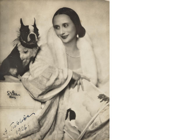 Anna Pavlova, Signed photo, together with book about her, 1926