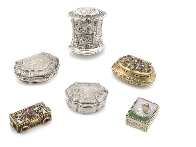 A collection of Continental silver  snuff boxes 18th - 20th century