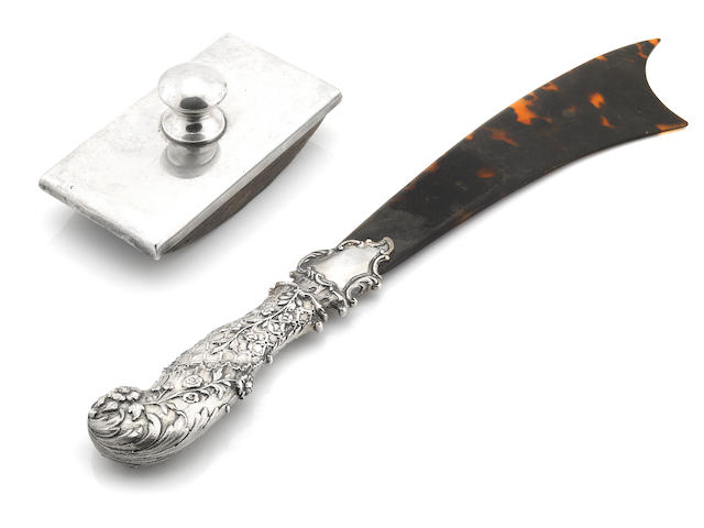 An Edwardian  sterling silver-mounted tortoiseshell  paper knife Goldsmiths & Silversmiths Co. Ltd, London,  1901