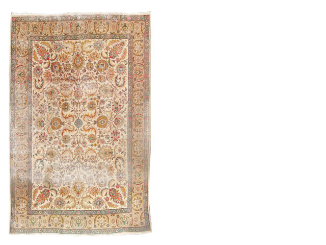 A Heriz wool rug approximate 9ft 1 1/2in x length 12ft 10in