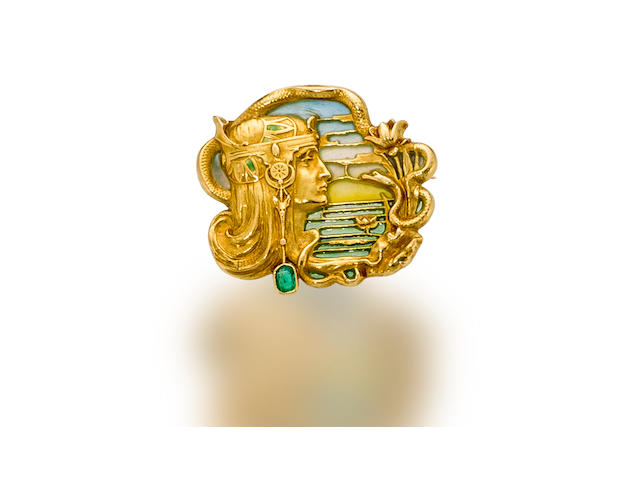 An art nouveau eighteen karat gold, enamel and emerald brooch, Joe Descomps,