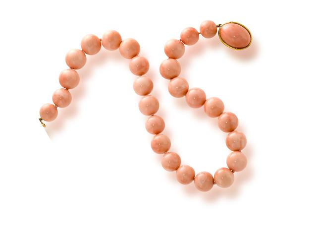 A coral bead necklace, David Webb