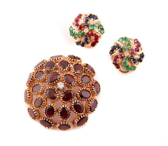 A pair of gem-set and 14k gold dome earclips together with a garnet, diamond and gold brooch-pendant
