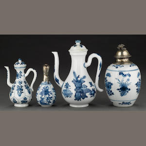 A group of export blue and white porcelains Kangxi period