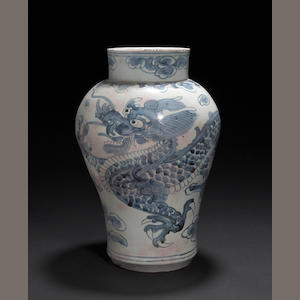 A blue and white porcelain dragon jar  Late Joseon dynasty, 19th century