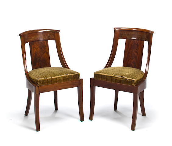 A pair of Empire mahogany Gondola chairs, first half 19th c.