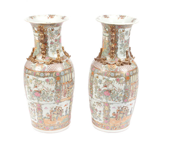 A pair of large Contemporary Chinese  porcelain urns
