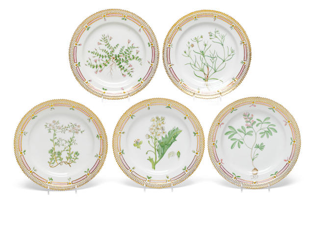 A set of five Royal Copenhagen porcelain Flora Danica luncheon plates <BR />early 20th century