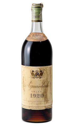 J. A. Hennessy X.O Cognac  (2)<BR />Aguardente Velha 1920  (1)