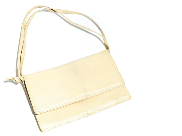 A Bottega Veneta cream leather shoulder bag