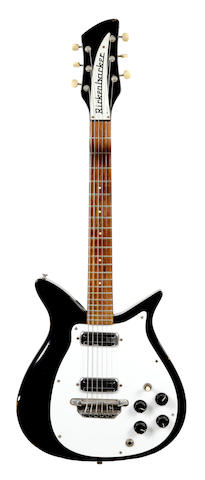 A Rickenbacker 900 six-string electric guitar