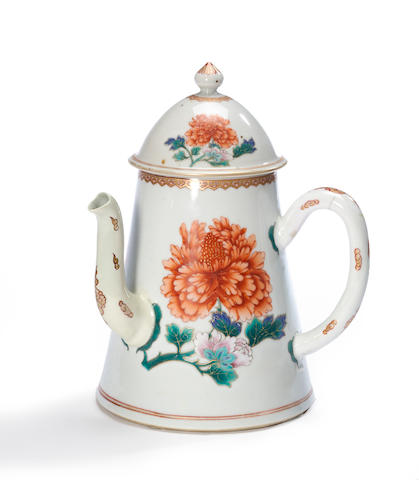 A famille verte export porcelain coffee pot with side spout and peony decoration 18th century (spout restored and repainted, crack to handle)