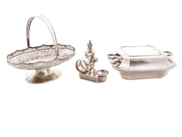 Two pieces of English sterling silver  tableware 20th century
