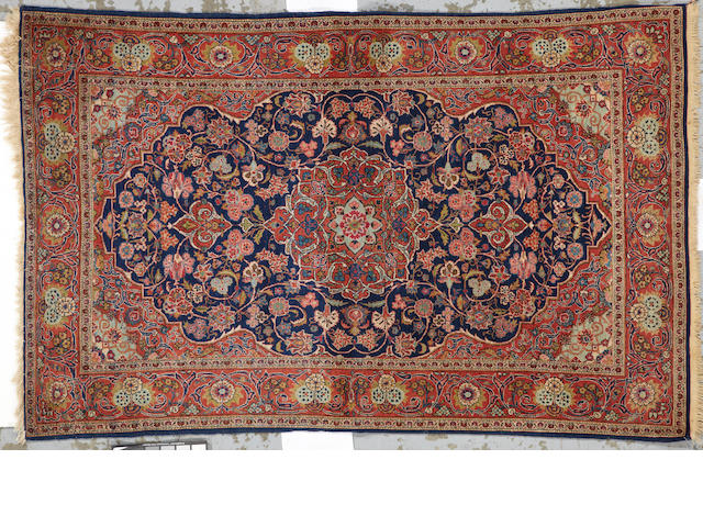 A Kashan rug Central Persia, size approximately 4ft. 2in. x 6ft. 8in.
