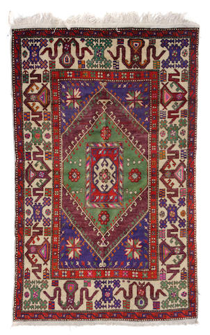 A Hamadan rug size approximately 5ft. x 8ft. 5in.