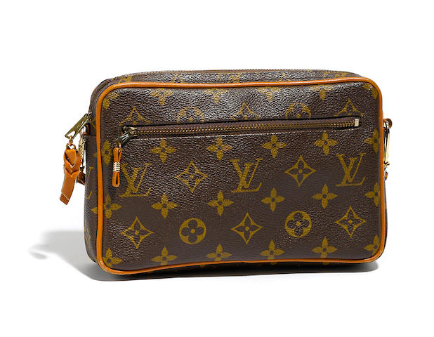 A Louis Vuitton monogram pochette