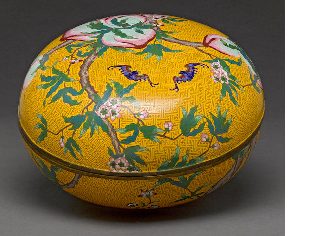 A Chinese cloisonné covered container
