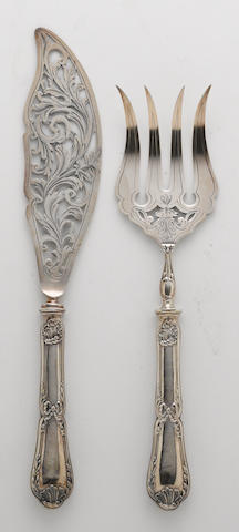 A French two piece fish serving set: fork and slice with 950 standard silver handles and engraved plated reticulated fittings E. Puiforcat, Paris  (2)