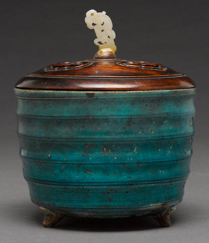 A turquoise glazed ceramic censer Late Qing/Republic period