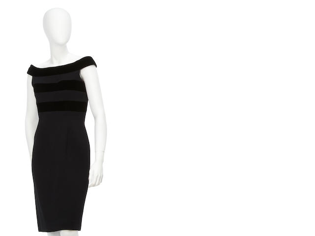 An Oscar de la Renta black crepe and velvet dress