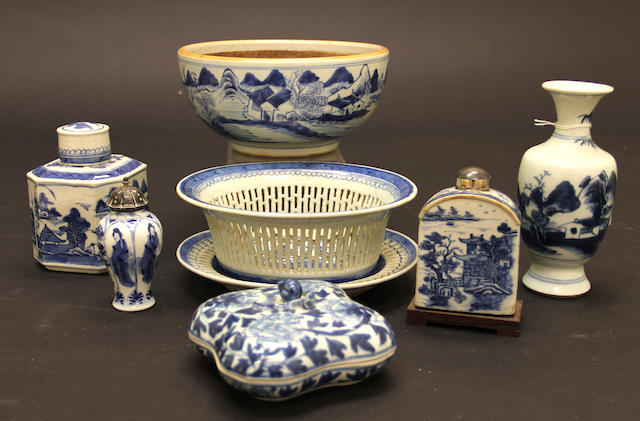 A group of Chinese export blue and white porcelain decorations
