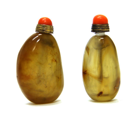 Tw pebble-form agate snuff bottles