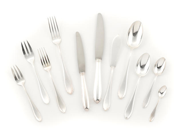 A Continental 800 standard silver flatware service, approx 165 pcs