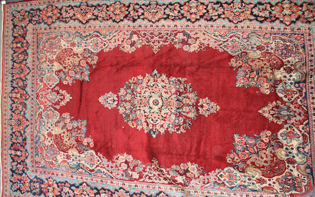 A Mahal carpet size approximately 10ft. 9in. x 14ft. 10in.