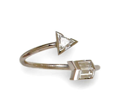 A diamond and platinum arrow ring, Gucci