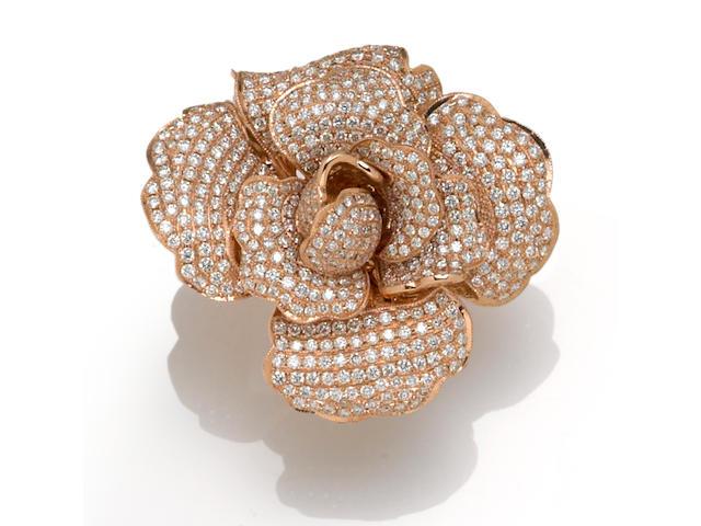 A diamond rose pendant/ring