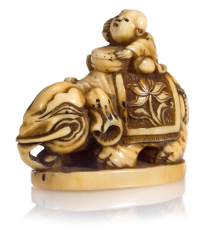 Marine ivory netsuke of elephant, 19th century