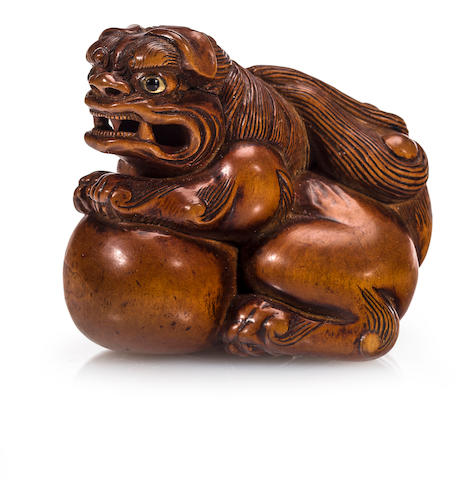 Large wood shishi netsuke