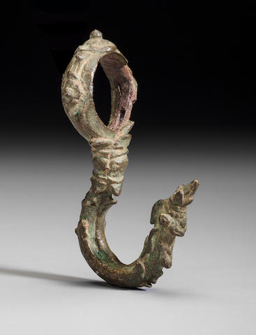 A Copper alloy palanquin hook Cambodia, 12th/13th century