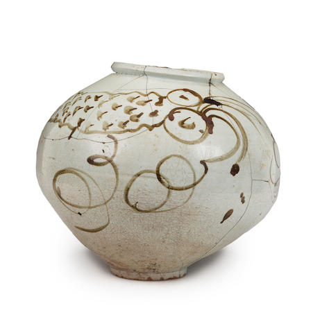 A glazed porcelain jar with iron-painted dragon decoration Joseon Dynasty, 18th/19th century