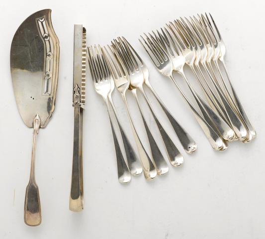 A George III to Regency silver group of flatware  (17)