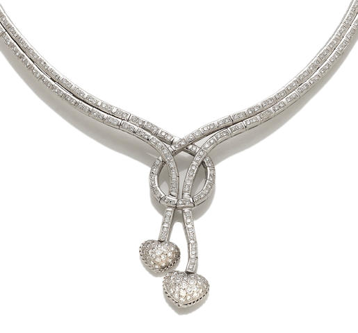 A diamond heart motif necklace