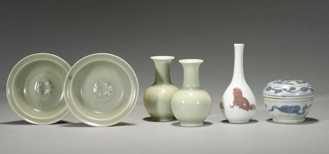 A group of six small ceramics