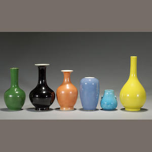 A group of six glazed porcelain containers 18th/19th century