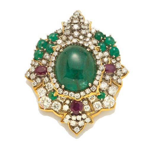 Emerald cabochon pendant