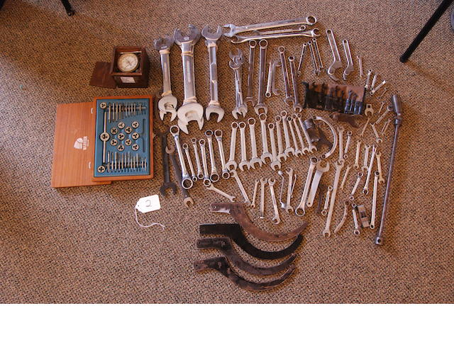 A comprehensive set of British workshop tools, Whitworth and BS,