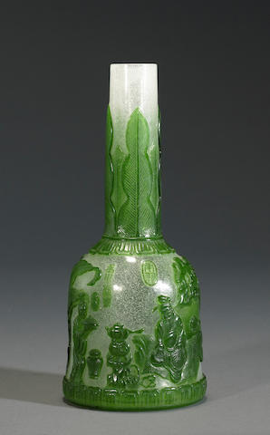 Mallet snowflake  vase with green overlay-tea scene